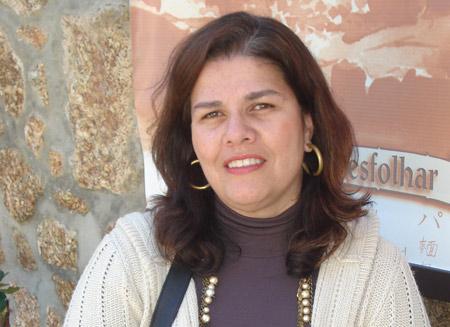 Professora Flávia Goulart Rosa, docente do PPGEISU/IHAC e diretora da EdUFBA, recebe homenagem na Feira Internacional do Livro Universitário – FILUNI na Cidade do México