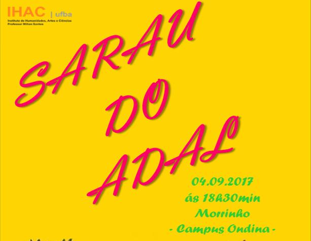 Professor e estudantes do IHAC apresentam Sarau do Adal na praça das artes do campus Ondina