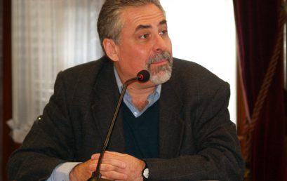 Professor do Uruguai ministra palestra na FACOM sobre novas abordagens metodológicas das teorias da comunicação